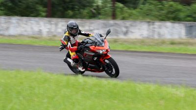 Merasakan Sensasi  Kawasaki All New Ninja 250